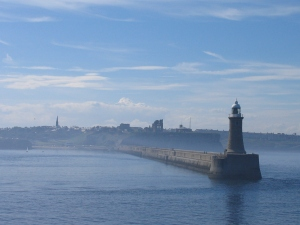 Tynemouth_Lighthouse,_2006